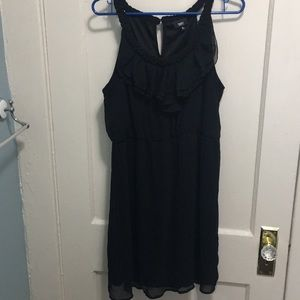 Mossimo Black Crepe midi Black dress